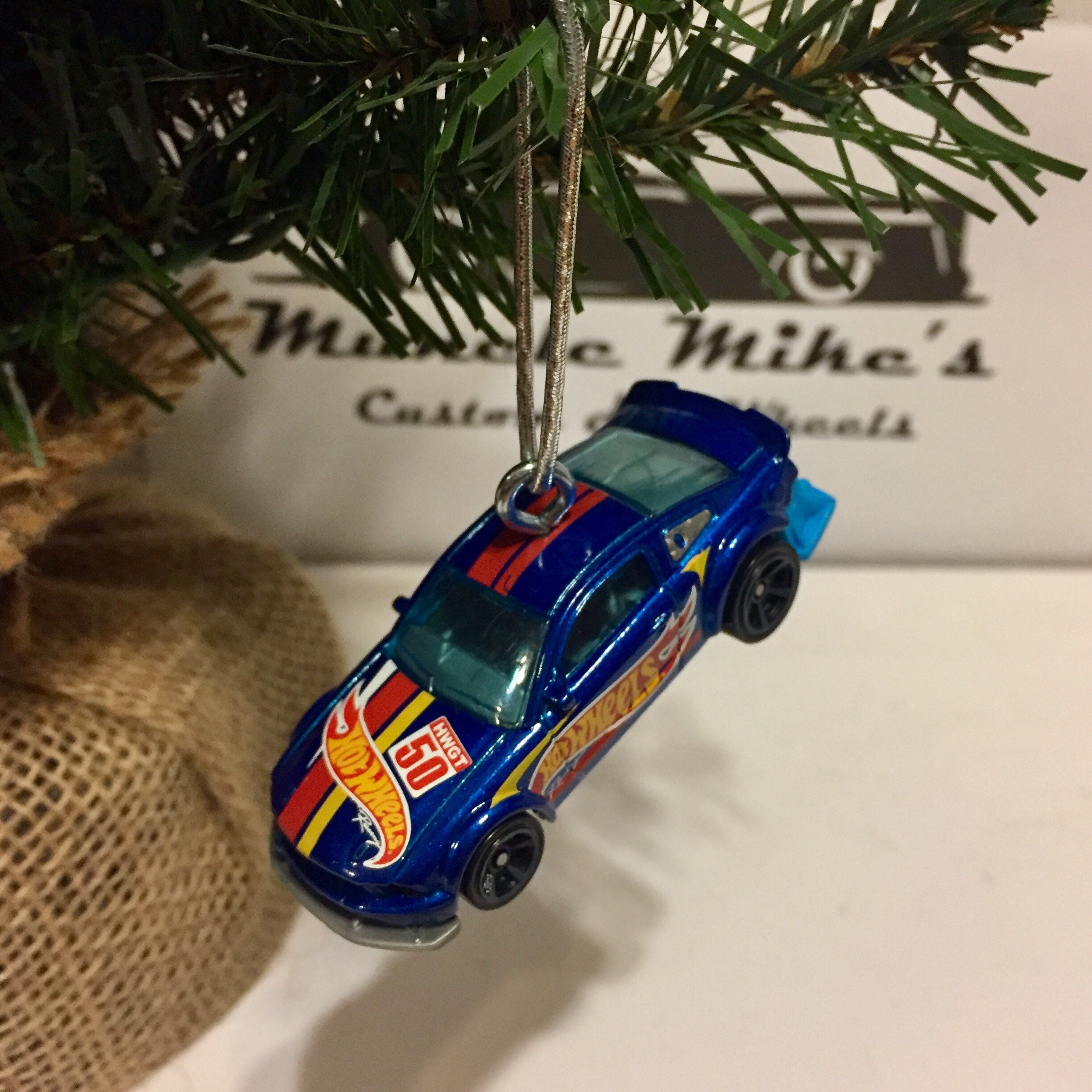 Hot Wheels Christmas Ornament 2015  2005 Ford Mustang Free Shipping!