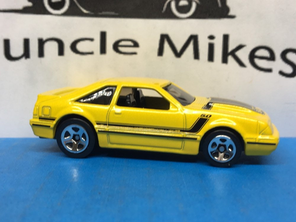 Hot Wheels & Display Case 1992 Ford Mustang Fox Body ...</p>