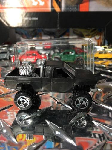 Custom Hot Wheels Nissan Hardbody Flat Black