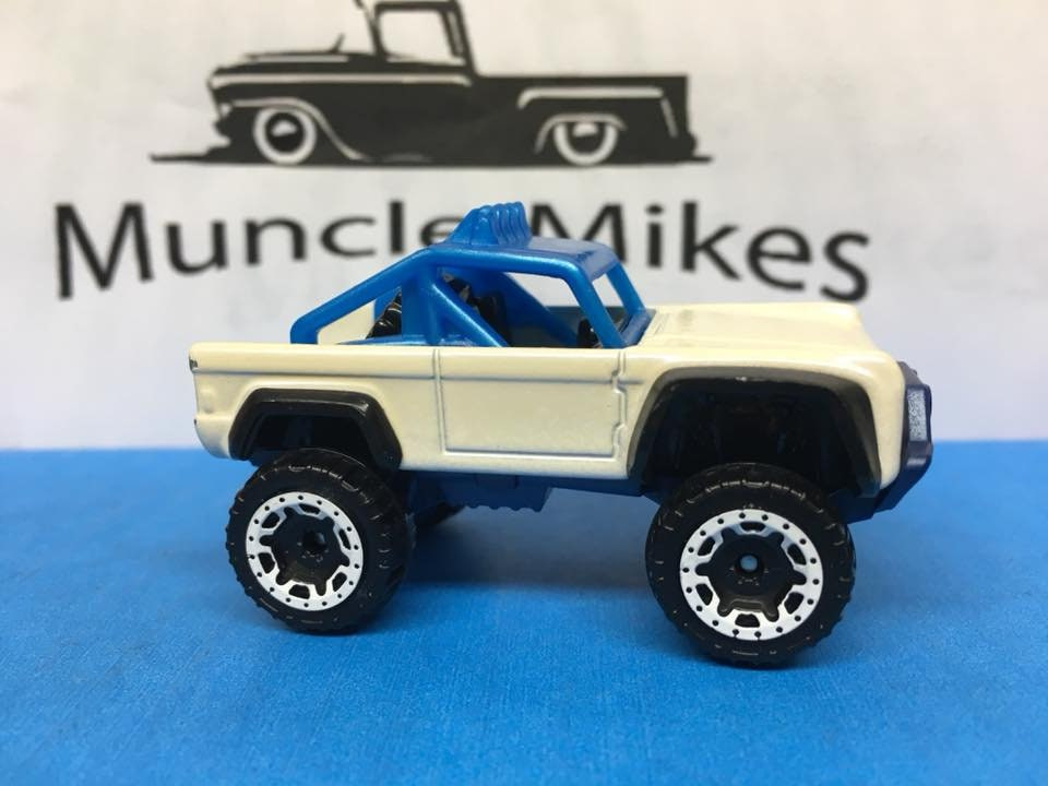 Custom Hot Wheels Ford Bronco Custom Painted White With Blue Pearl