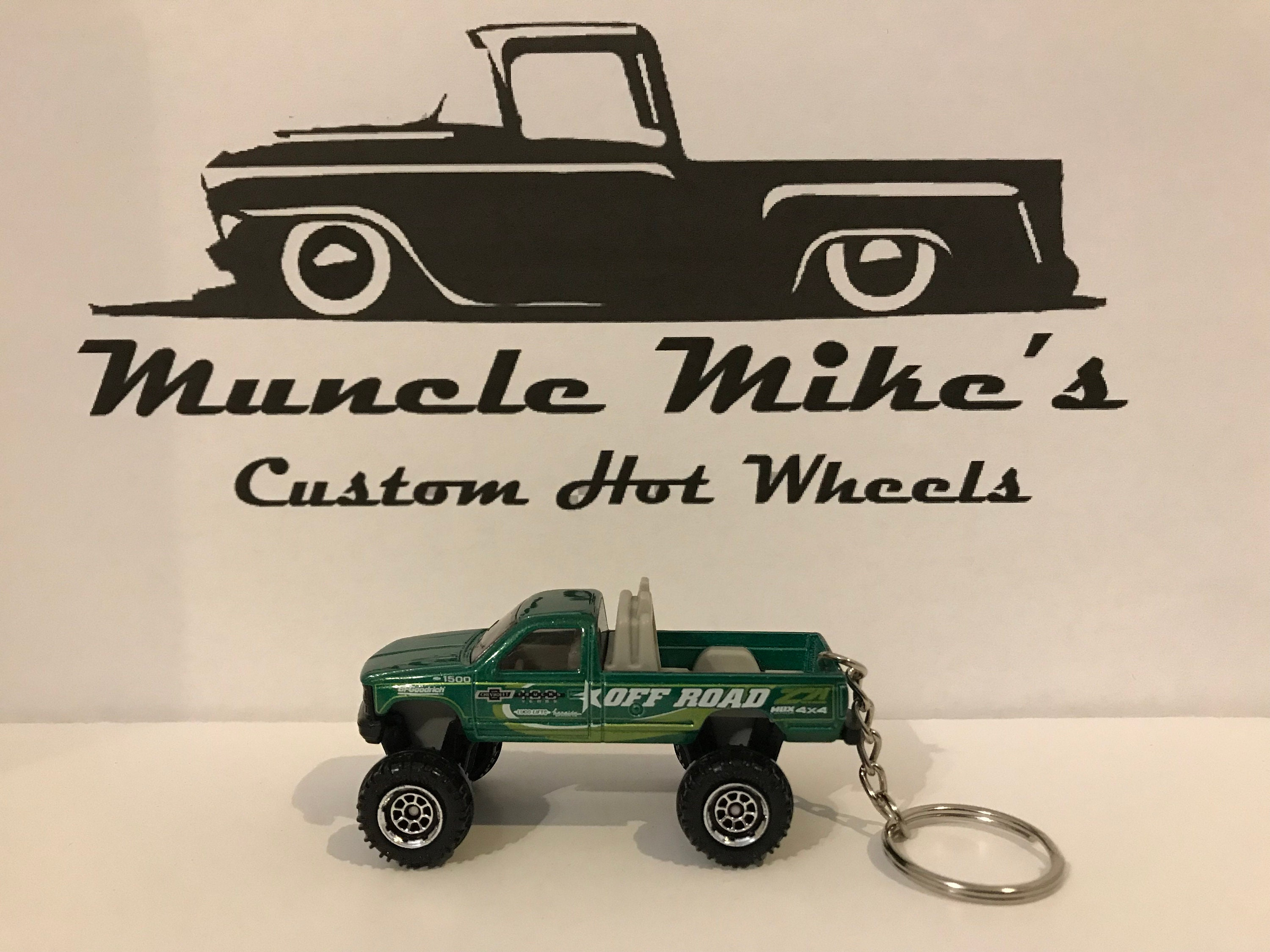 Custom Hot Wheels green Chevy K-1500 pickup truck key chain keychain
