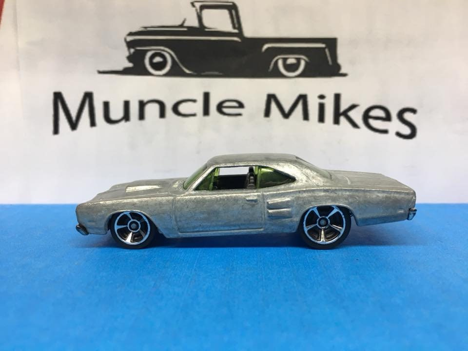 Custom Hot Wheels white '69 1969 Dodge Coronet Superbee Bare Metal
