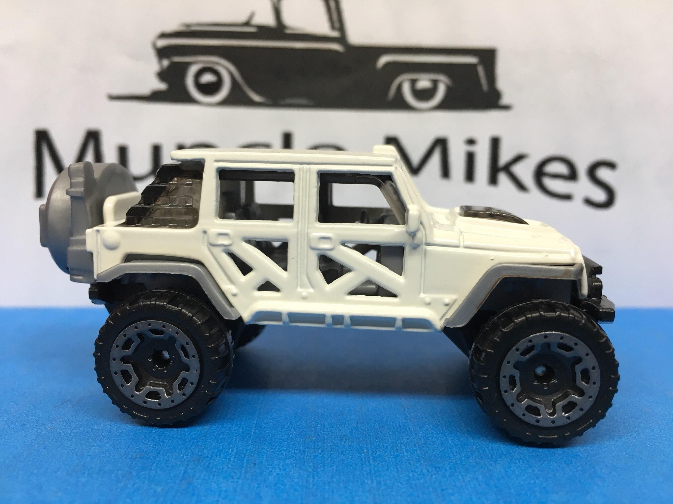 Custom Hot Wheels 17 Jeep Wrangler Gloss White