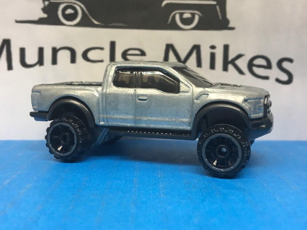 Custom Hot Wheels 2017 Ford f-150 Raptor 6.2 Hot Rod Truck Black Bed BARE METAL