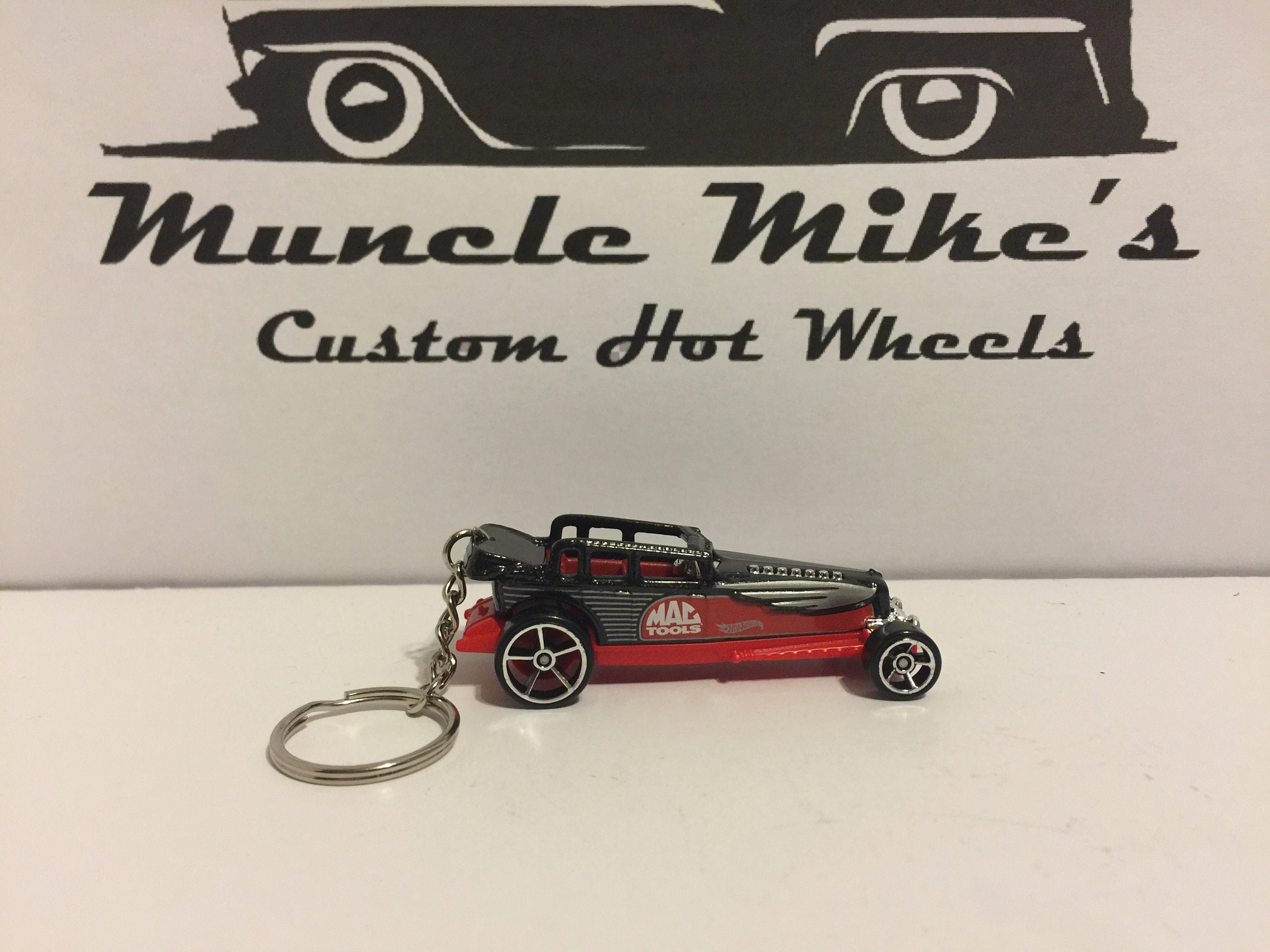one-of-a-kind Custom Hot Wheels black and red Mac Tools Gadspeed key chain keychain