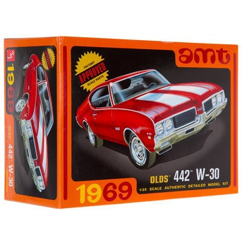 Collectible Plastic Model Kit: 1969 Olds 442 W-30 Model Kit