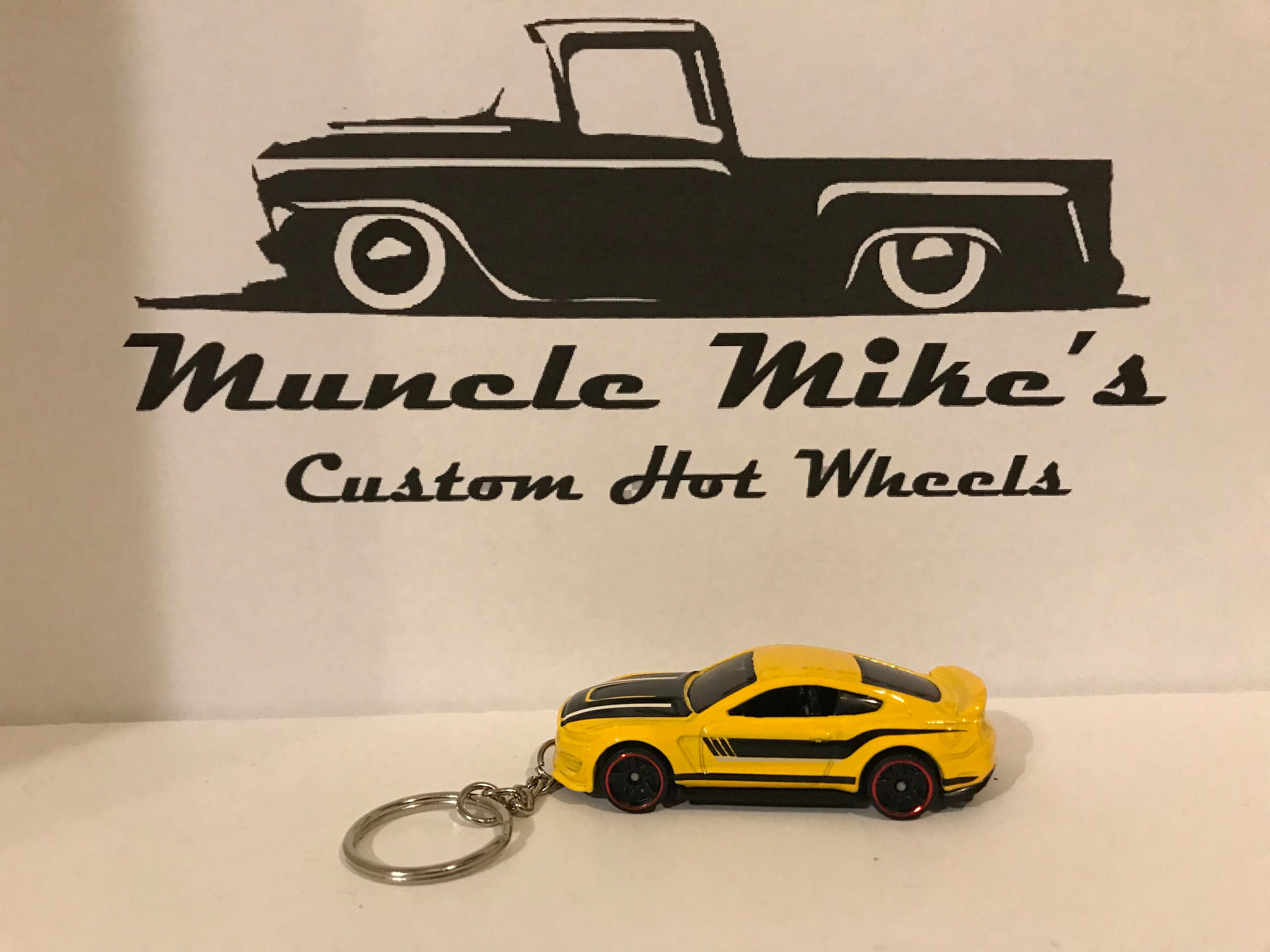 Custom Hot Wheels Ford Shelby GT350R Mustang key chain keychain