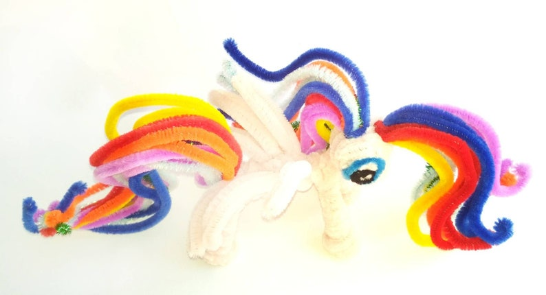 Cute Pony unicorn party decor. My little pony rainbow dash