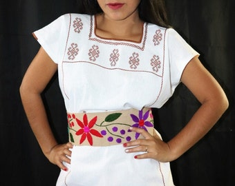 abc768245f Women s Mexican Blouse   Belt - Embroidered Blouse - Medium Blouse -  Mexican Belt - Blusa Mexicana - Blusa Artesanal - Mexican Fiesta