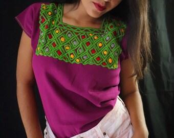 4e49aa935e Mexican Blouse - Embroidered Blouse - Mexican Blouse Women - Womens Size  Medium - Bohemian Blouse - Blusa Bordada Mexicana - Blusa Artesanal