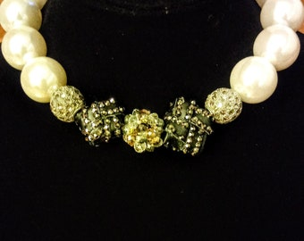 Oversized Beaded Pearl Choker Necklace