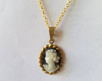 Cameo Necklace, Vintage Cameo Necklace, Vintage Look Cameo Necklace, Dainty Cameo Necklace, Victorian Necklace, Victorian Cameo Necklace