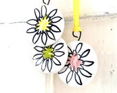 Daisies pottery hanging set of 3
