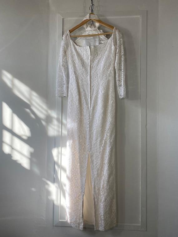 1980s Off Shoulder Lace Wedding Dress - image 8