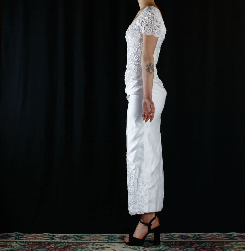 1980/'s slim skirt wedding dress with slit and beading