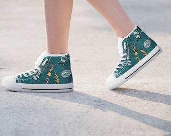 Slytherin, Slytherin shoes, Harry Potter, Harry Potter Shoes, Harry Potter  White High Top, Harry Potter Custom Converse