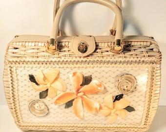 Vintage Atlas Princess Charming Seashell Bag
