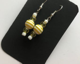 Yellow and White Drop Earrings, Yellow White Beaded Drop Earrings, Yellow White Beaded Earrings, Yellow White Earrings, White Yellow earring