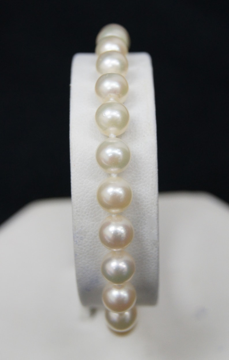 B2149 6.5mm 7mm Akoya Cultured Pearl Single Strand Bracelet 7.5 with 14K Yellow Gold Clasp