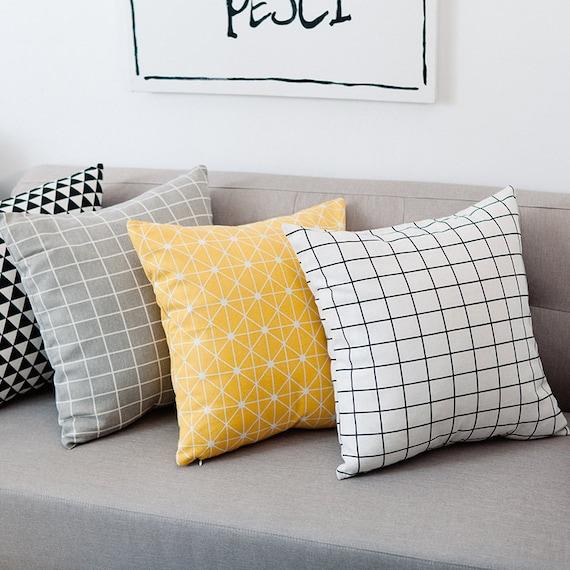 Decorative Pillow Set
