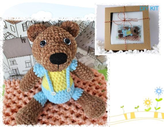 Hoooked DIY Crochet Kit Billie Bear Amigurumi Eco Barbante ... | 443x570