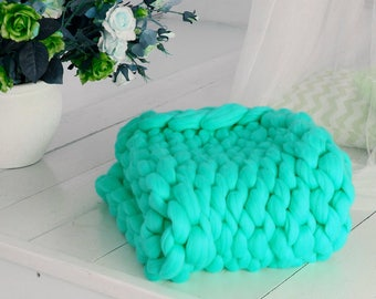 Super chunky blanket. Big stitch. Bulky blanket. Chunky knit blanket. Giant blanket. Giant knitting. Huge blanket. Merino wool  blanket