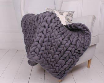 Chunky knit blanket. Chunky blanket. Merino wool blanket. Super bulky blanket. Giant knitting. Wool throw. Handmade knitted blanket. Luxury