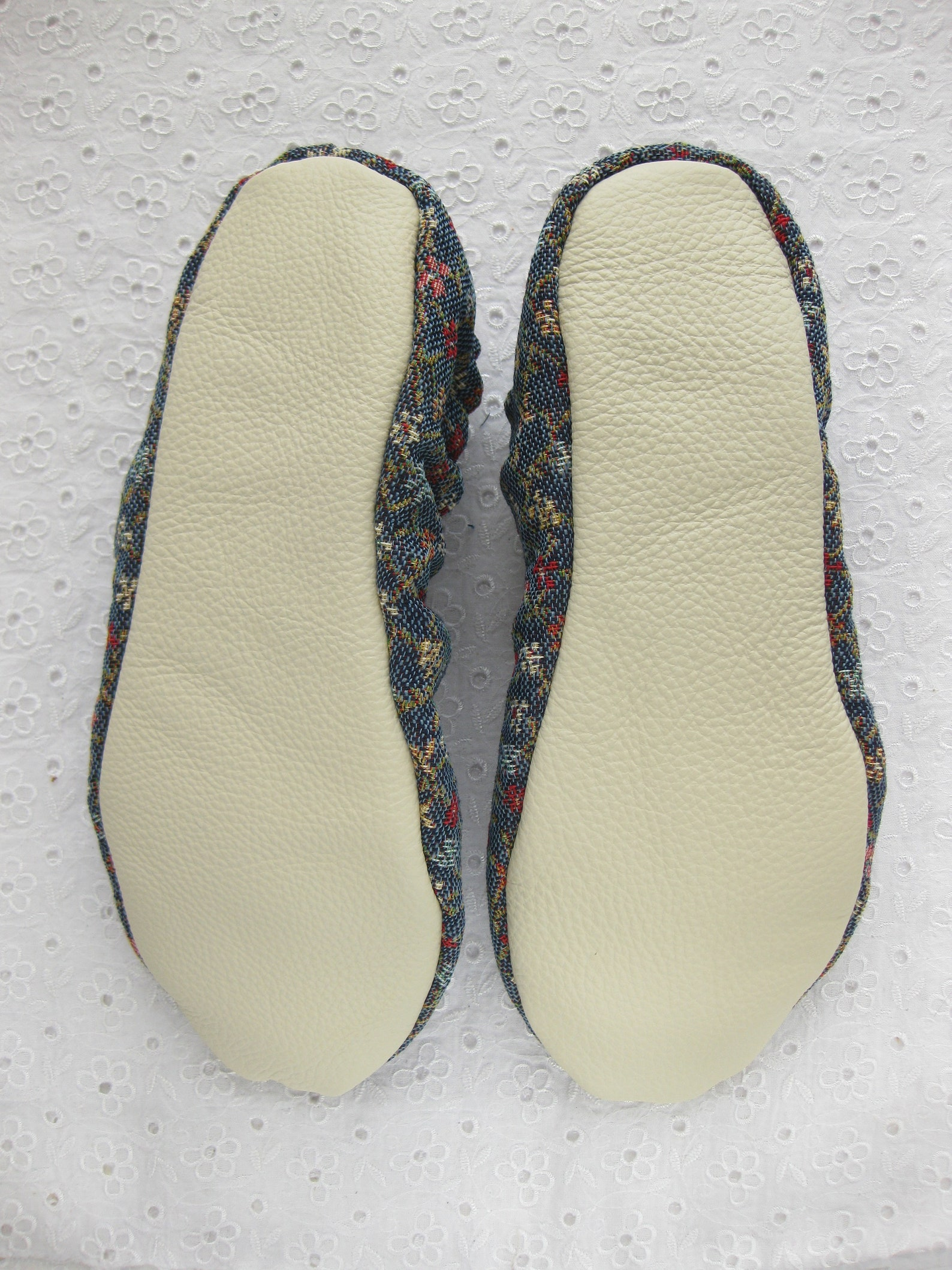 womens slippers, tapestry ,ballet flats, cotton slippers, healthy home shoes, soft slippers, handmade slippers, women slippers,