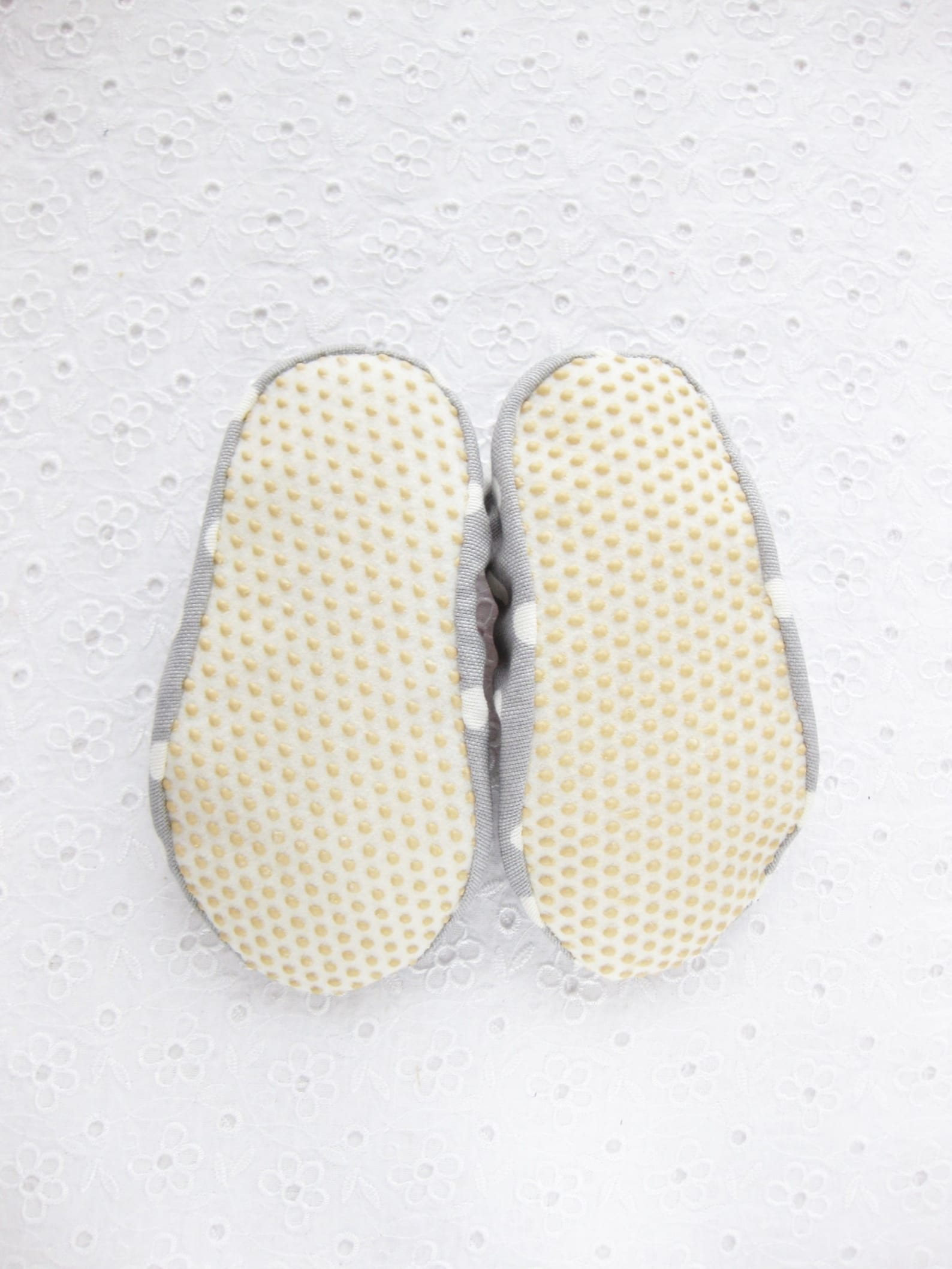 women slippers, cakes , ballet flats, cotton slippers, ballet slippers, gift women, gift girl, healthy home shoes, handmade slip