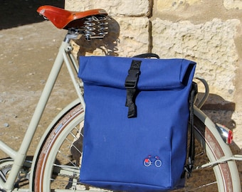 Waterproof Roll top bag and cyclebag with strap in black