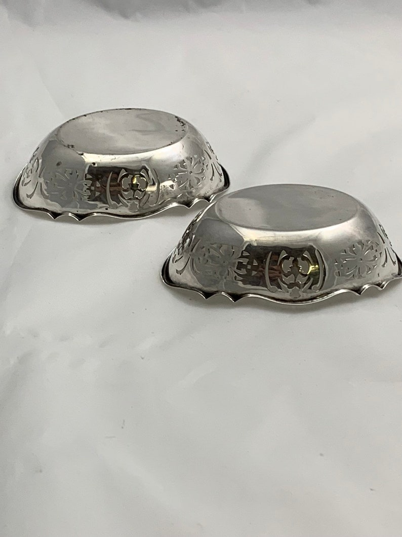 Authentique paire anglaise Sterling Silver Nut Plats G.Y-Co