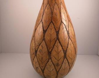 pointillised leaf vase