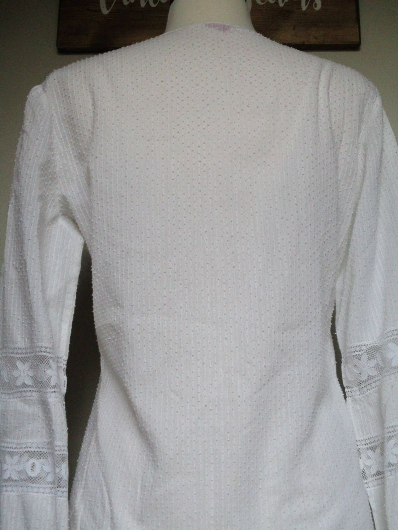 FREE SHIPPING 70/'s Vintage Lace Button Down Beautiful Lace Excellent Condition Flower Child Festival Top Hippie Light-Weight Groovy