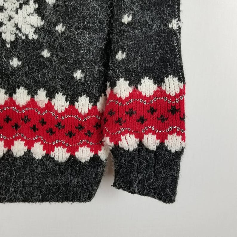 Partners Mervyns Vintage snowflakes geometric 100/% acrylic sweater size S