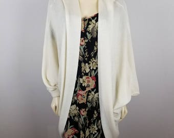 Gientex vintage sweater one size fits all batwing cardigan white sweater