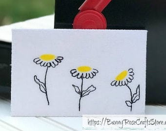 Fabric Postcard - 'Dancin' Daisies'  ‖  Thread Sketching  ‖ Watercolor Card  ‖ Hand painted Card  ‖ Quilted Card  ‖ Flowers ‖ Textile Art