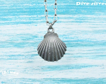 Diving silver-- 925 sterling silver Scallop necklace / Shell / diving / handmade / cute /