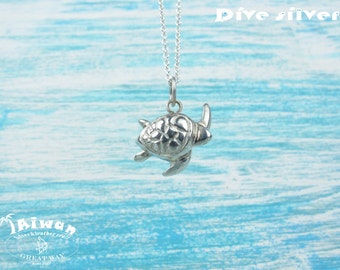 Diving silver-- 925 sterling silver Sea Turtle Necklace / Turtle /  diving / handmade / cute / earrings