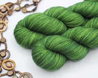 Hand-dyed skein - Fingering - Merino superwash or Merino sw and nylon - 100 g / 400 - 425 m - Jade