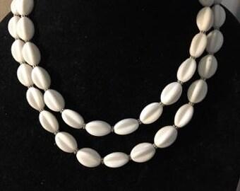 Vintage Acrylic White Fluted Beaded Necklace