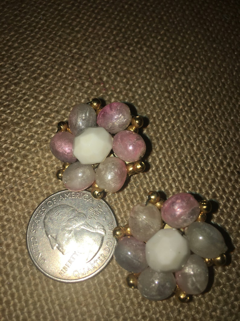 Signed Hong Kong* Vintage Pastel Pinks White with Gold Tone Accent Beads Cluster Clip Earrings
