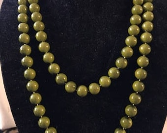 Vintage Olive Green Single Strand Beaded Necklace