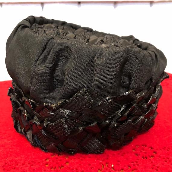 Vintage 60's Pillbox Hat in Black