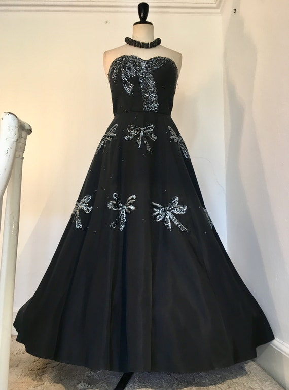 1950s Vintage Black Strapless Full-Length Sequinne