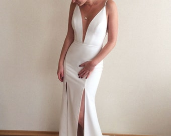 c9ec5ff6608 Simple wedding dress with slit