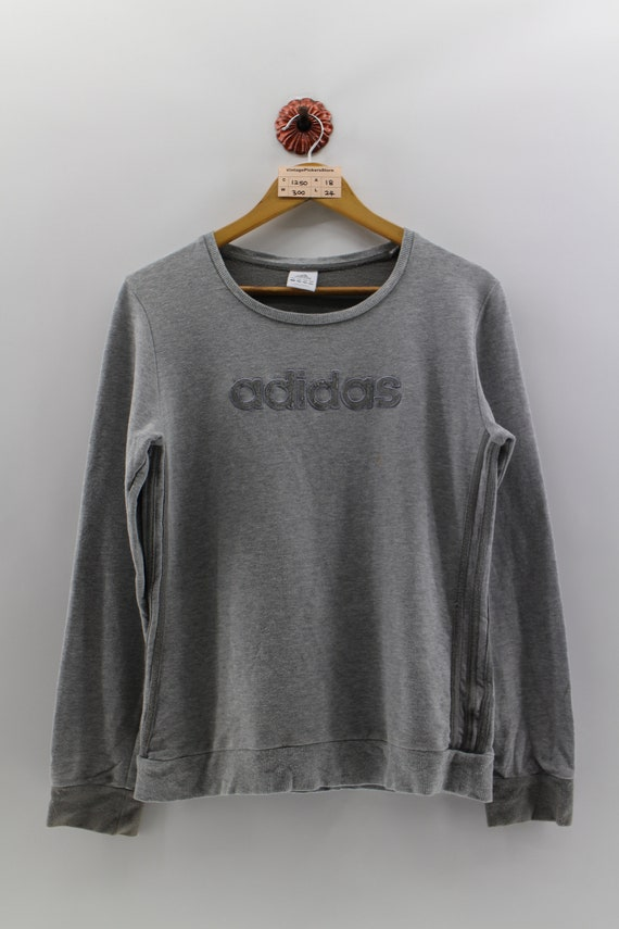 ADIDAS Vintage Sweat moyen dames Adidas trois rayures broderie SpellOut ras du cou pull Adidas Sports dames pull gris Taille M