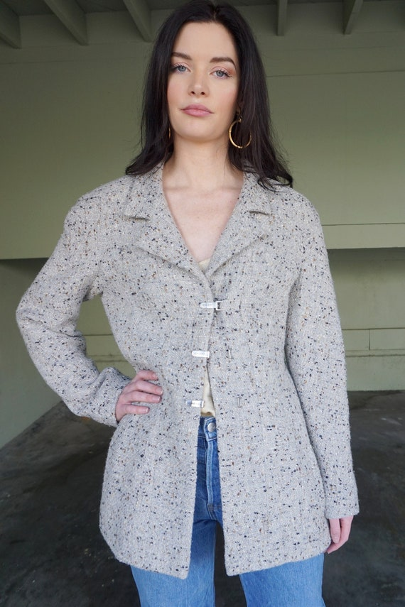 1990s CHANEL Gray Tweed Boucle Jacket with Gold L… - image 1