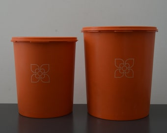 2 vintage tupperware lid Sun airtight containers orange vintage years 70 made in France retro trademark