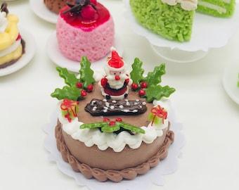 Miniature Christmas Cake ,Miniature Cake,Miniature Bakery,Miniature Sweet,Dollhouse cake,Dolls and miniature,miniature jewelry 1:12
