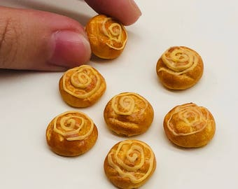 5 pieces Miniature Bread,Miniature Bakery,Miniature Sweet,Dolls and miniature,miniature jewelry